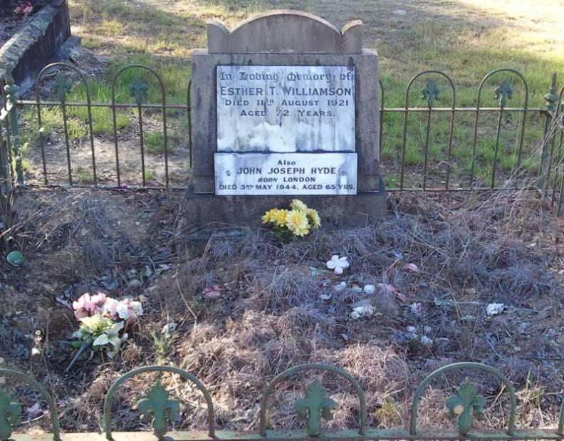 Grave Esther Williamson (nee McClure)